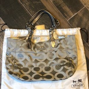 Coach silver and grey shoulder bag.